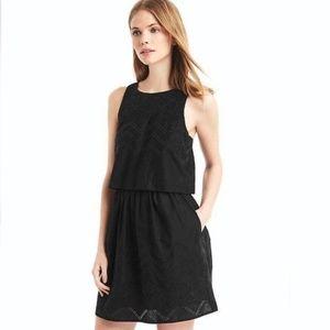Gap black layered embroidery sleeveless dress 2